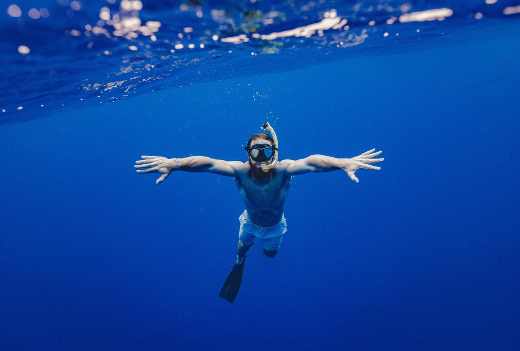 swim to ease neck and shoulder pain