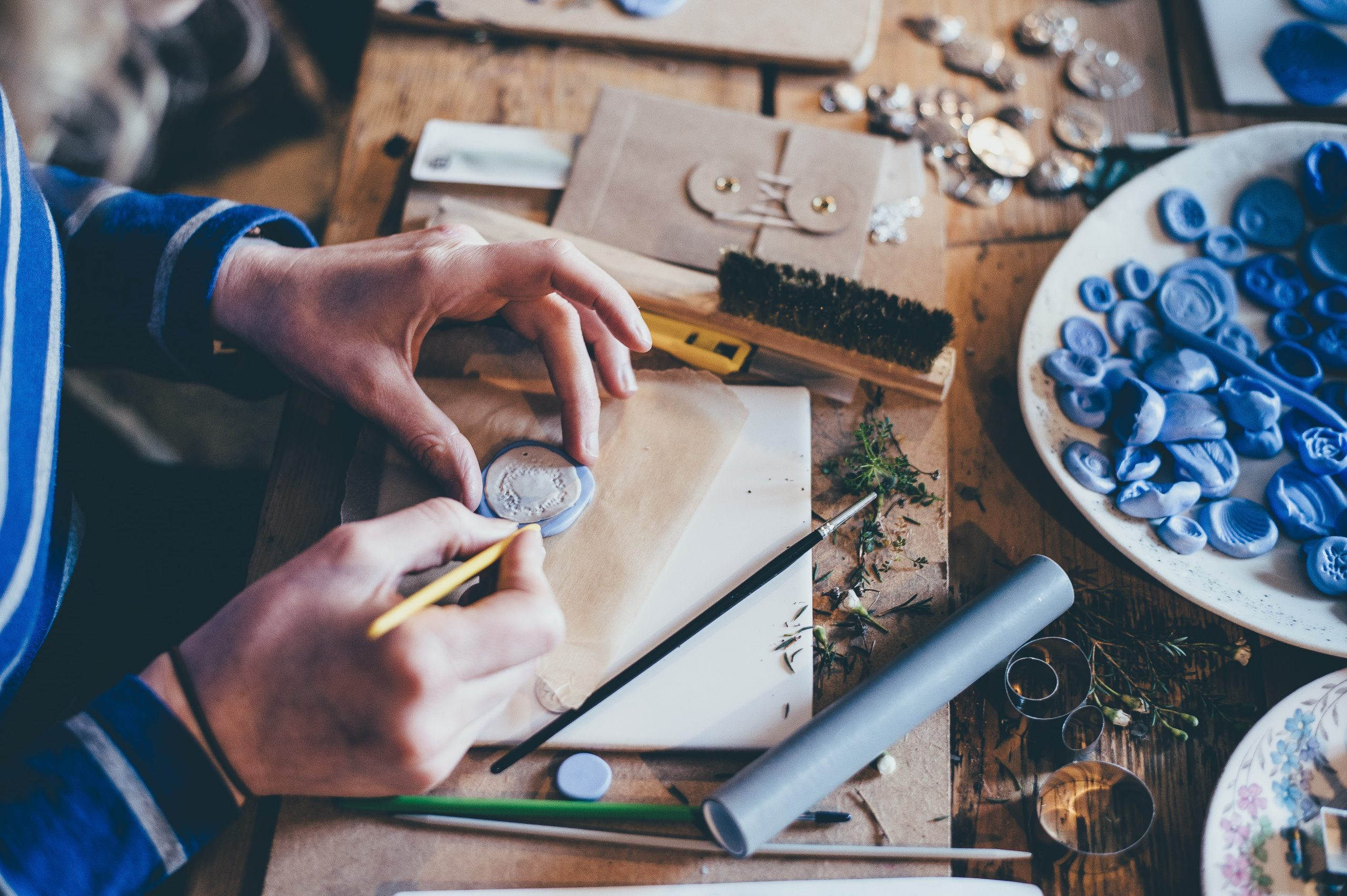 arts-and-crafts-maker